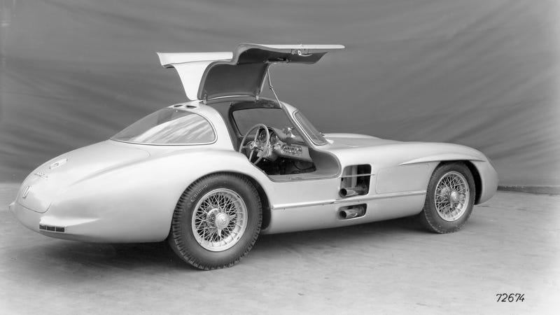 Here Are Your Totally Awesome 300 SLR Uhlenhaut Coupé Wallpapers