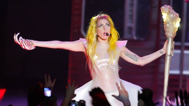 """Lady Gaga Reveals """"Drunk Diet"""" Is Key To Her Toned Physique"""