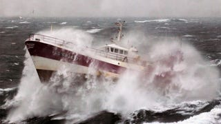 Terrifying Photos of Ships Battling the Elements