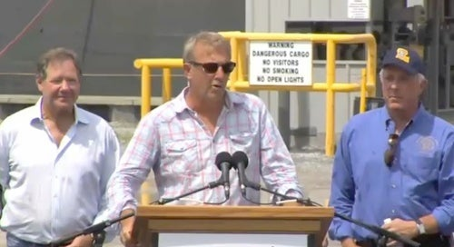 BP Loves Kevin Costner's Oil-Cleaning Machine, Even Though It Hasn't Done Anything Yet