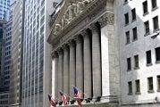 Warren Buffett: Prioritize Career Building Over Market Studying