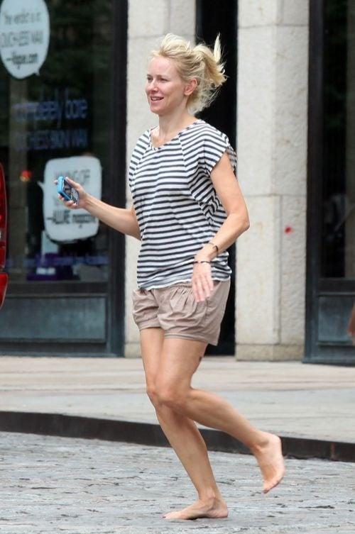 Naomi Watts Bravely Runs Barefoot On NYC Street