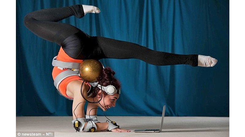 Vibrating Suit Lets Athletes in Training Know When They're Doing It Right