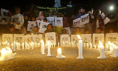 Convictions in Deadly Bhopal Gas Leak, Over 25 Years Later