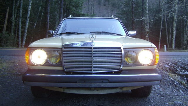 1981 Mercedes 300TD has a V8 secret under the hood