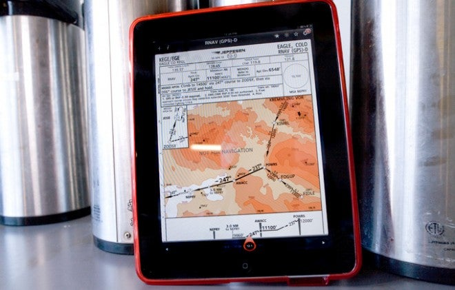 Some Pilots Can Now Use iPad Apps Instead of Paper Maps