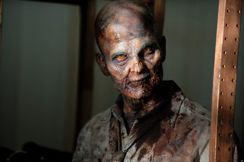 David S. Goyer tells us about the Walking Dead episode he's directing