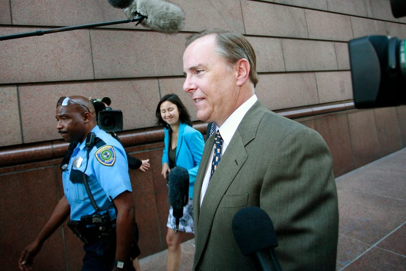 Enron Felon Jeffrey Skilling Getting Out of Jail 10 Years Early