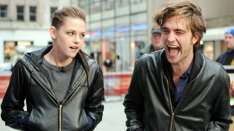 Kristen Stewart Is Moving Out, Leaving Robert Pattinson Free to Become the Recluse His Hair Has Always Wanted to Be