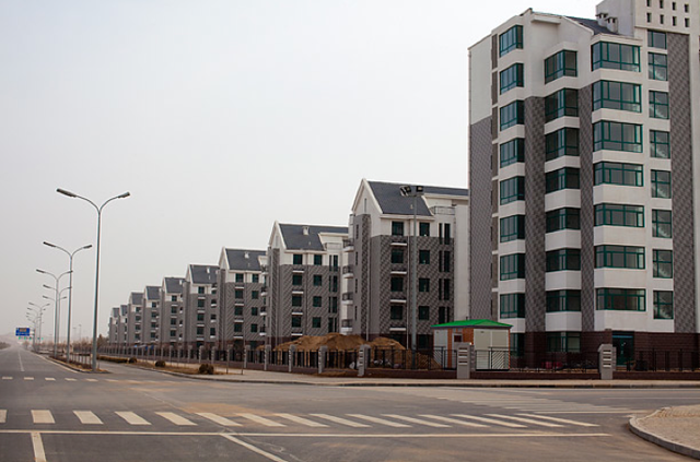 Eerie scenes from Ordos City, China's modern ghost town