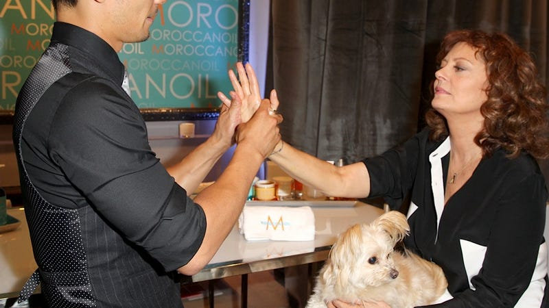 Susan Sarandon and Her Pet Muppet Enjoy a Canadian Hand Massage