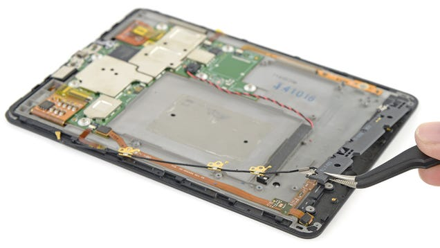 Kindle Voyage Teardown: It Sure Is Cramped Behind That Glass Screen