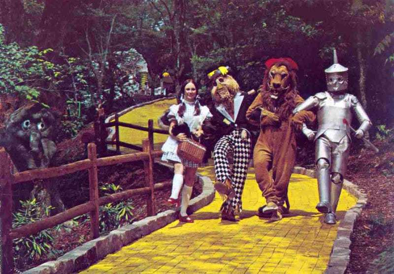 Next Weekend This Abandoned Wizard of Oz Theme Park Will Open