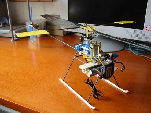 Indoor R-C Helicopters Go DIY, Use Spare Electronics Parts