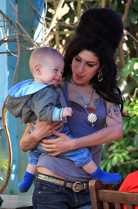Babysitting Drives Amy Winehouse To Drink