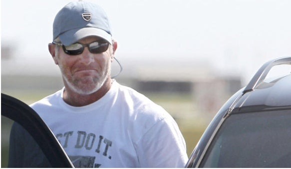 Angry Readers Defend Brett Favre