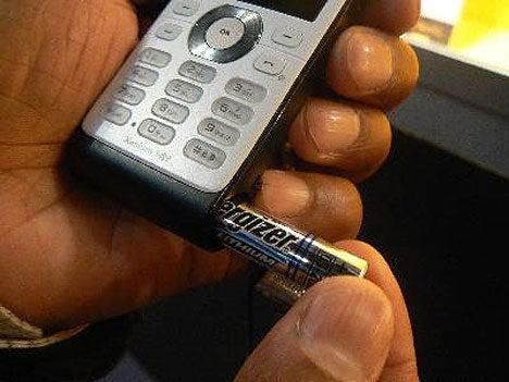 Philips Xenium 9@9j Cellphone Has AAA Battery Power Backup