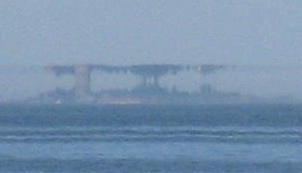 Fata Morganas Make Fantastic Castles Appear Over the Ocean