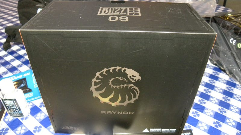 What's Inside The BlizzCon 2009 Swag Bag?