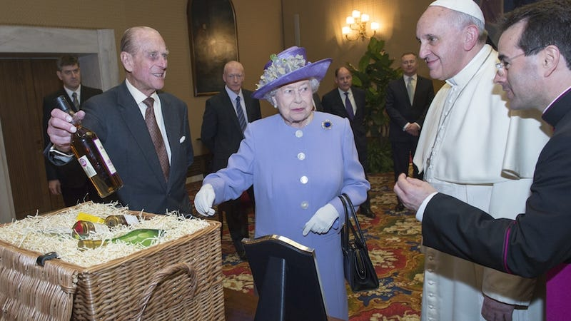 Queen Elizabeth Brought the Pope Whiskey, Is the Best at Gifts