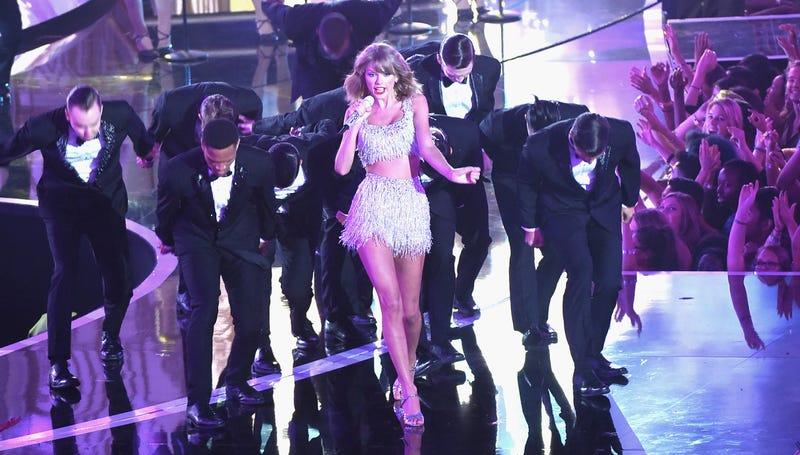 Taylor Swift's VMA Performance Was Peak Taylor Swift