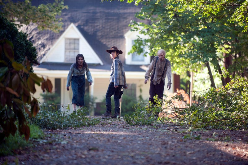 Does a new Walking Dead photo spell disaster for one major character?