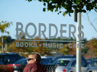 Borders Now Handing Out Free Wi-Fi