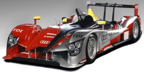 Audi R15 TDI Plus Race Livery Tries To Hide Die Große Nase