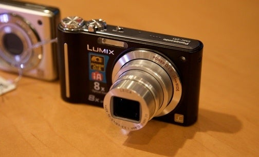 Panasonic Lumix FP8, FZ35 and FZ28 Cram Lots of Zoom Into Little Cameras