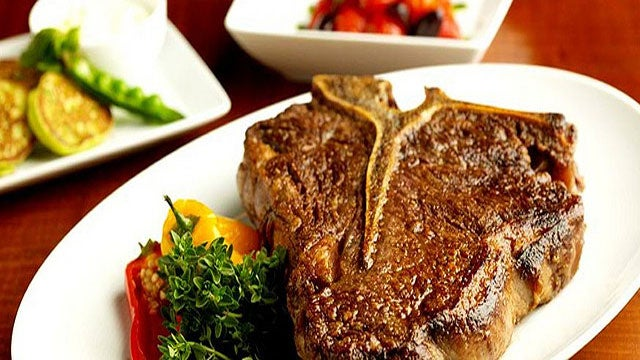 Cook the Perfect Steak: Salting, Searing and Poking Myths Debunked