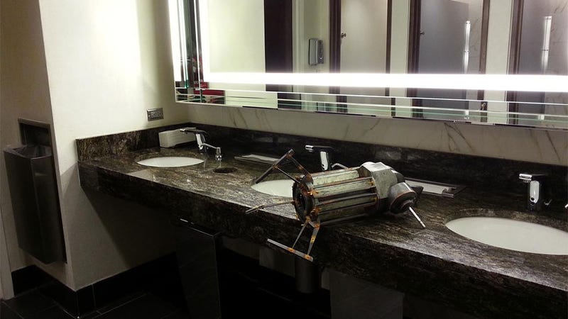 It's A Half-Life 2 Gravity Gun. In A Bathroom.
