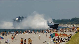 Huge Russian Hovercraft Interrupts Beachgoers in Spectacular Fashion