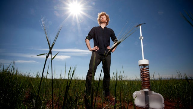 An Invention That Sucks the Water Out of Dry Skies Has Won This Year's James Dyson Award