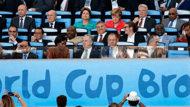 Orbán Viktor keresve se találhatott volna jobb meccsnéző társat