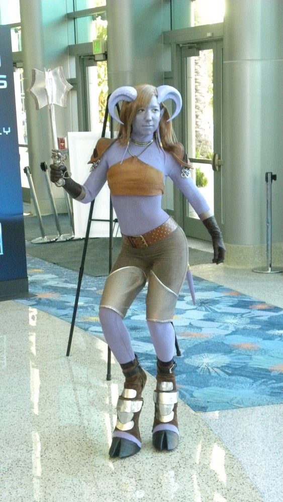 BlizzCon Cosplay Round-Up: We've Got Purple Girl
