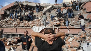 7.3-Magnitude Quake Hits Turkey, Killing as Many as 1000