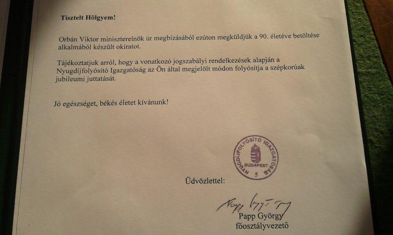 Printelt alárással kívánt boldog születésnapot Orbán Viktor