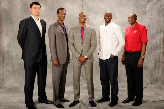 Even Dwight Howard And Hakeem Olajuwon Look Small Next To Yao Ming