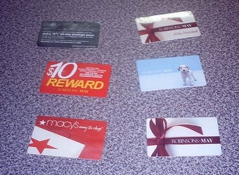 Hone Up on Gift Card Tricks and Traps for the Holidays