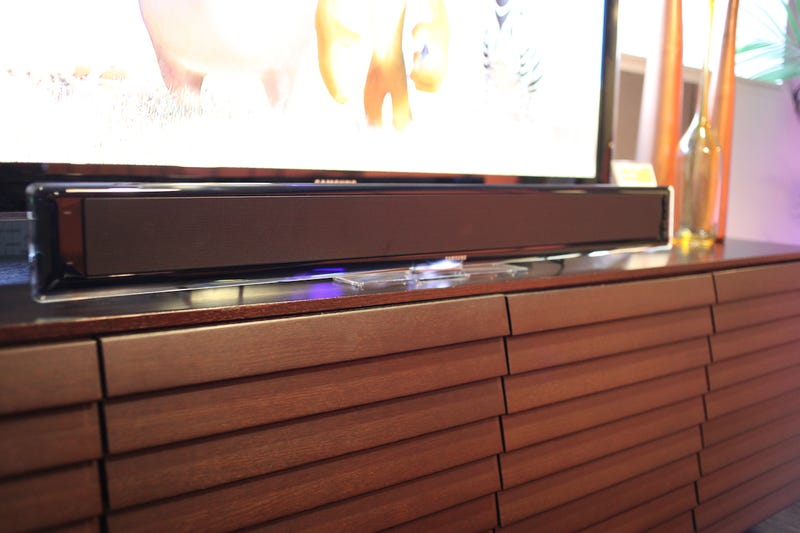 Samsung HT-WS1 Soundbar Features Wireless Subwoofer, Low Price