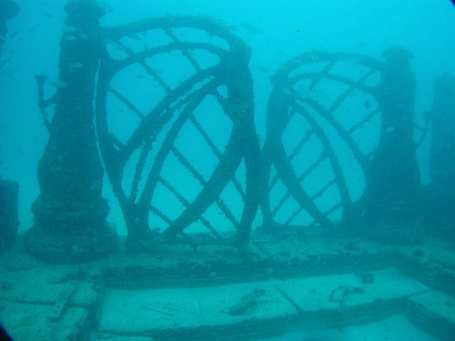 Underwater cemetery looks like the ruins of the lost city of Atlantis