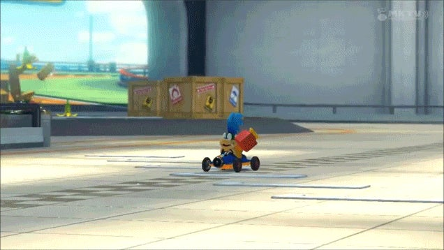 Watch Someone Use Mario Kart 8's Super Horn Like A Total Jerk