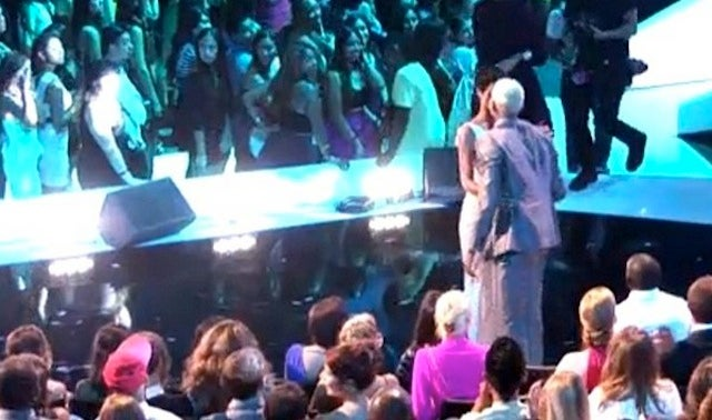 Cozy Moment Between Rihanna and Chris Brown Caught on Camera During Last Night's VMAs