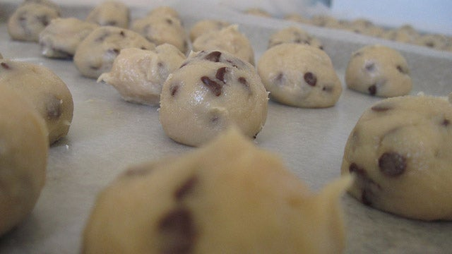 Refrigerate Cookie Dough for Tastier Cookies with Better Texture