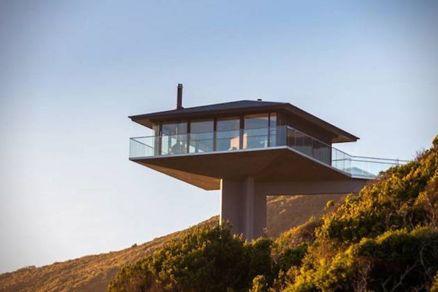 This Cool Coastal House Looks Like It's Floating Over The Ocean