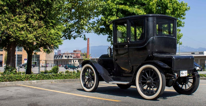 This electric car from 1912 had a better range than the Nissan LEAF