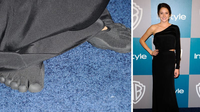We Must All Mock This Hollywood Starlet for Wearing Toe Shoes to the Golden Globes