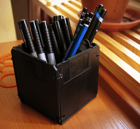 DIY Floppy Disk Pen Holder