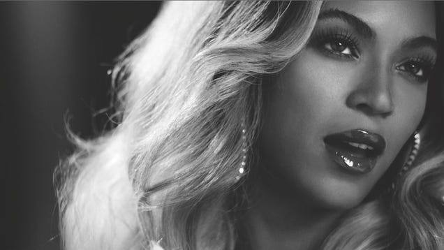 Beyoncé Will Perform Live and in Person at the VMAs