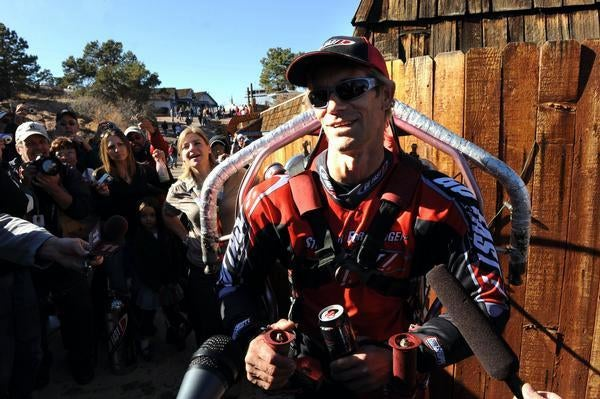 Jet Pack Crosses 1,500-Foot Long Colorado Canyon, Breaks World Record